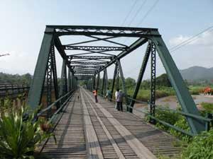 パーイのゲートウエーの第2次大戦記念橋